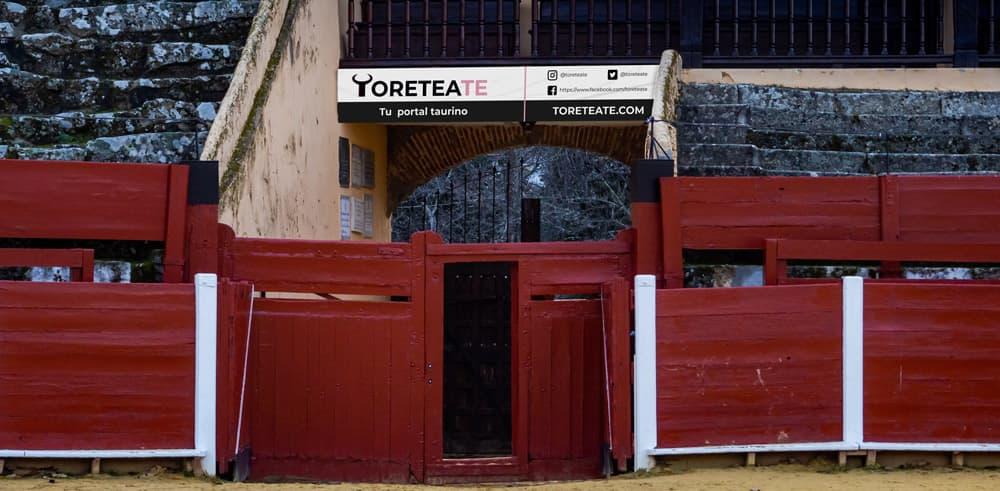 Lona Toreteate
